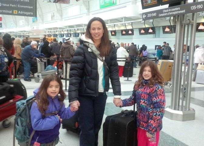 toronto-airport-with-girls